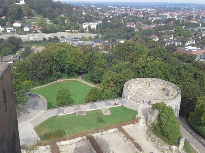 Kultureller Stadtrundgang durch Bielefeld mit Prof. Tomislav Sunic