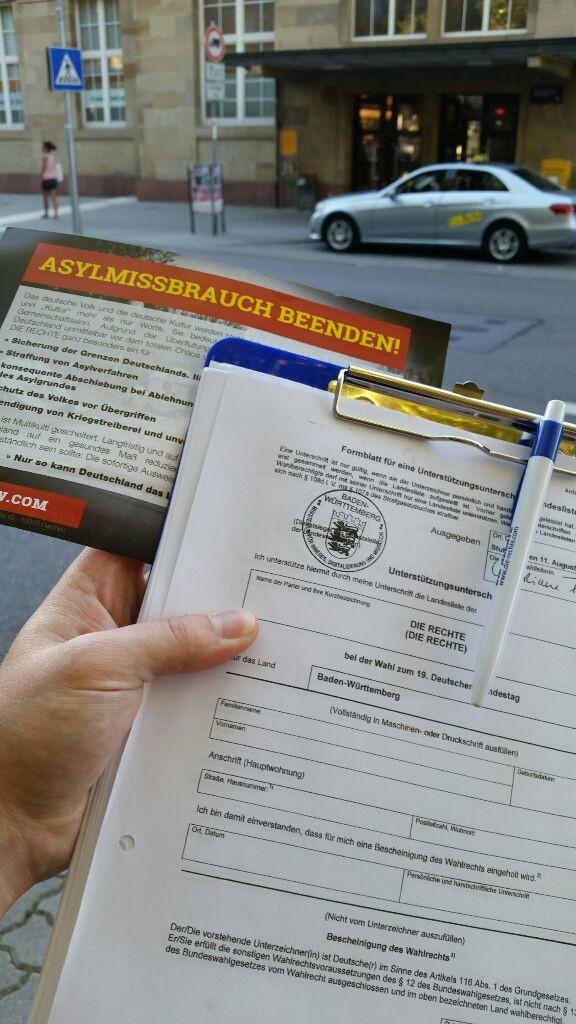 Unterschriftensammlung in Karlsruhe