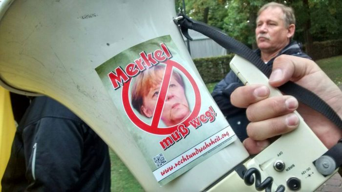 Spontaner Protest bei Merkel-Besuch in Paderborn und nationale Beteiligung an AfD-Kundgebung