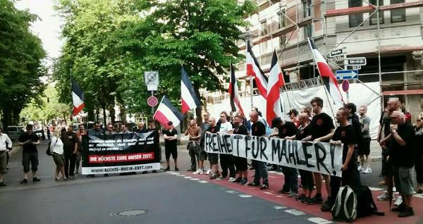 Düsseldorf: Störungsfreie Mahnwache vor ungarischem Konsulat als Solidaritätszeichen für Horst Mahler!