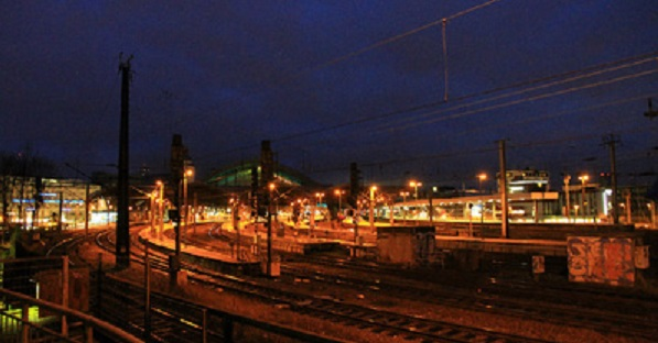 Linksextreme Brandanschläge behindern Bahnverkehr im Großraum Köln