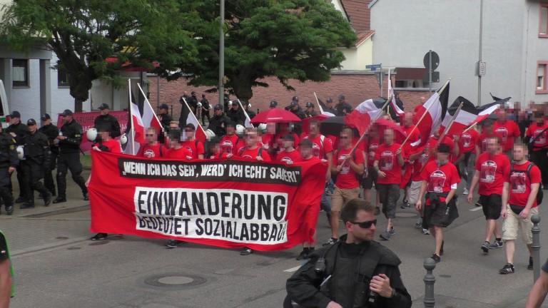 """Bericht Abschlußdemonstration """"Tag der deutschen Zukunft"""" in Karlsruhe"""