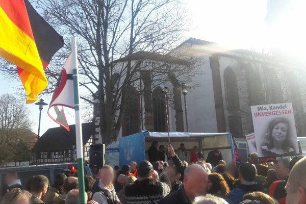 Erneut 2500 Menschen in Kandel auf der Straße