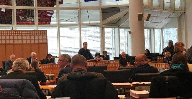 Stadtrat Dortmund: SPD-Kämmerer stellt 48-Mio-Haushaltsloch für 2020 vor, AfD und Linke fordern Verbot von Combat 18