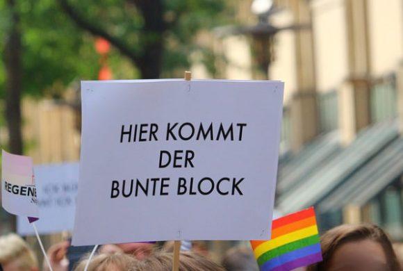 Hürth: #wirsindmehr-Kundgebung besuchen gerade einmal rund 100 Personen