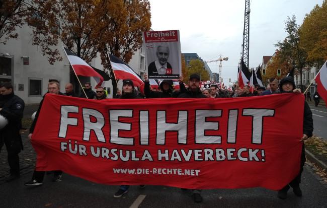 Ursula Haverbeck: 500 Teilnehmer bei störungsfreier Demonstration durch Bielefeld!