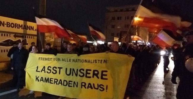 Dortmund: 100 Nationalisten demonstrieren zur JVA, Polizeirepressionen auch vor Weihnachten allgegenwärtig