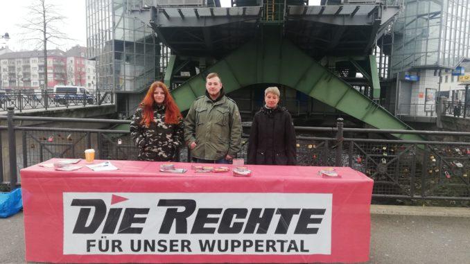 DIE RECHTE führte Infostände in Wuppertal durch