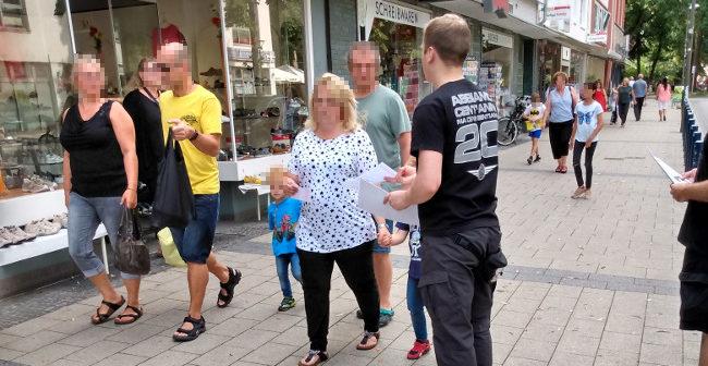 Nach Sexattacke in Mengede: DIE RECHTE verteilt Pfeffersprays an Frauen!