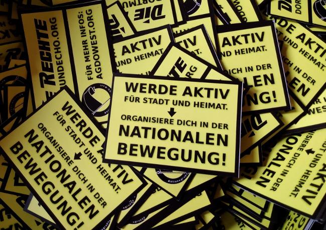 """Schulbeginn: """"Schnipselaktionen"""" rufen an über 30 Dortmunder Schulen zum Eintritt in die nationale Bewegung auf!"""