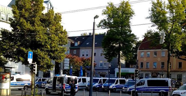 Quartiersdemokraten in Dorstfeld: Eine Hundertschaft für ein dutzend gesellschaftliche Spalter