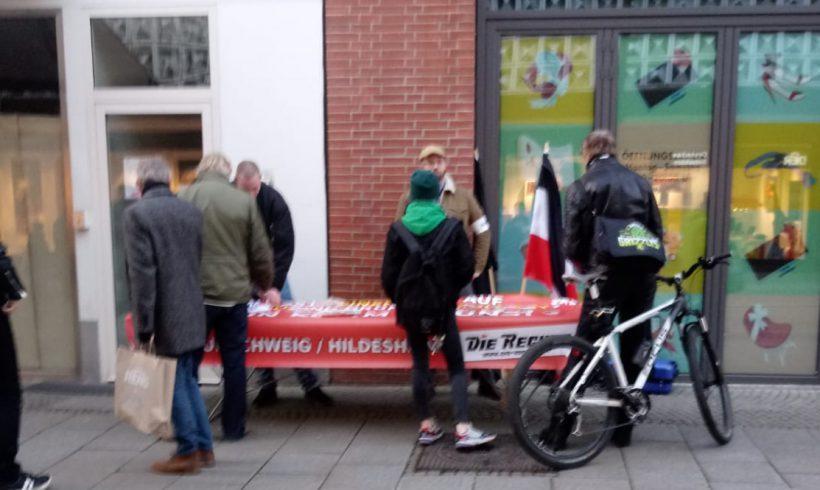 Erfolgreicher Infotisch in Hildesheim