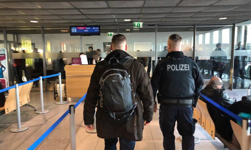 Verwaltungsgericht kippt im Eilverfahren Ausreiseverbote zum Lukovmarsch!