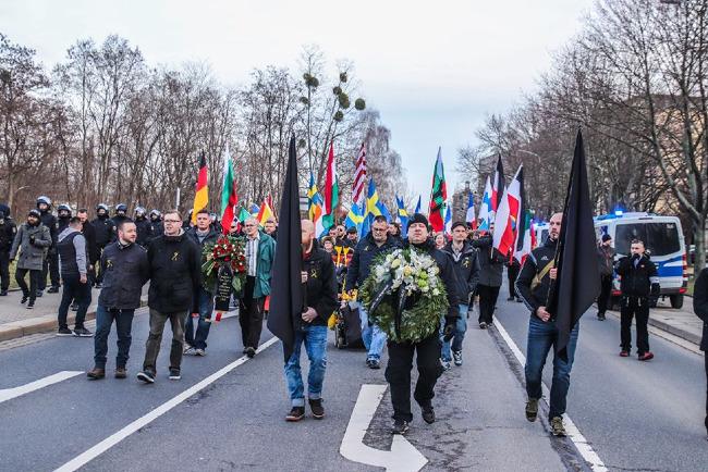 Video zeigt beeindruckenden Trauermarsch in Dresden