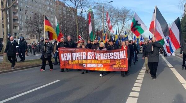 Dresden: Tausende erinnern an die Opfer des alliierten Bombenterrors!