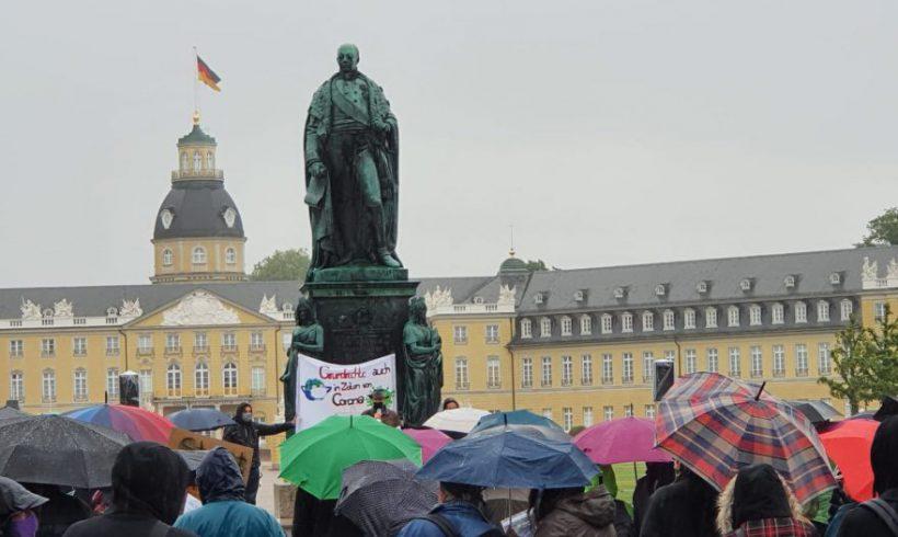 Außergewöhnliche Erster-Mai-Kundgebung in Karlsruhe – Grundrechte auch in Zeiten von Corona