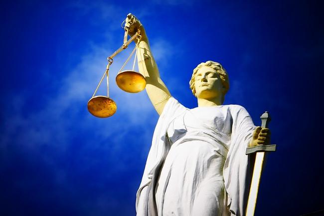 Fünfeinhalb Jahre später: Rechte Angeklagte kämpfen vor dem Landgericht für Meinungsfreiheit und Freisprüche