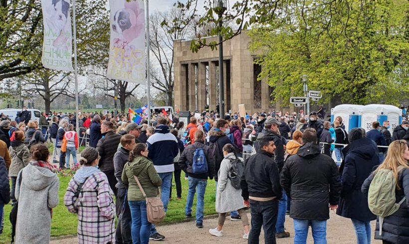 Düsseldorf: DIE RECHTE unterstützt erneut den Corona Protest.