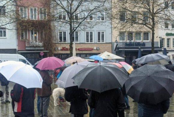 Köln: DIE RECHTE unterstützt die Proteste gegen die Corona Maßnahmen.
